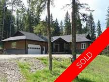 Water Valley Alberta Real Estate: Executive Lower Ridgelands Home on 1.9 Acres For Sale:  3 bedroom 1,857.87 sq.ft.